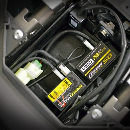 SpeedoHealer V4 корректор спидометра и квикшифтер на мотоцикле
